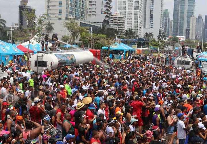 Seis empresas organizarán el Carnaval capitalino de  2.3 millones dólares