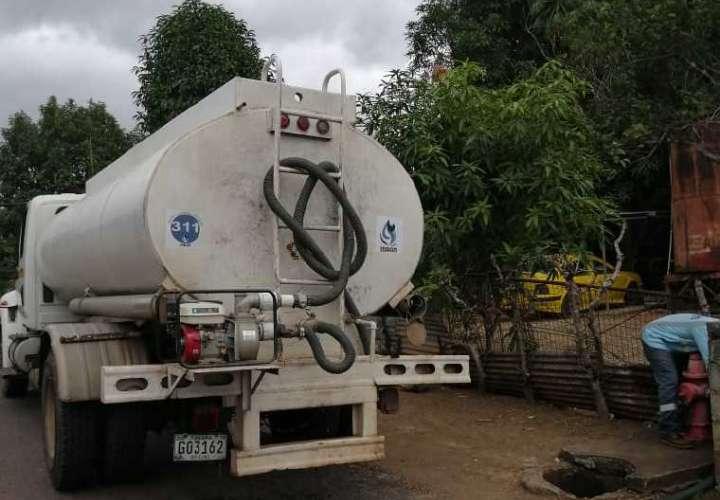 El IDAAN, corto de cisternas