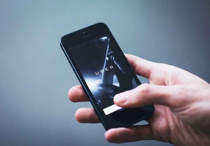 Suspenden cobro en efectivo y expansión de plataformas digitales de transporte
