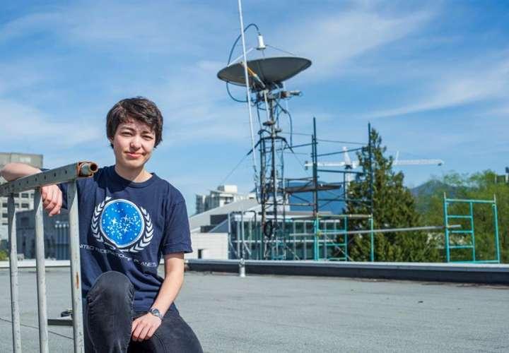 Estudiante de 23 años descubre 17 planetas, uno similar a la Tierra