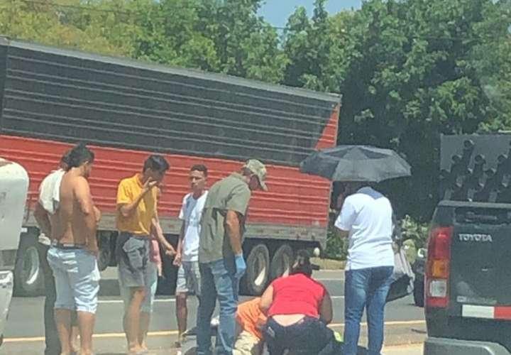 Cruzaba la vía Interamericana, en Santiago, un vehículo lo atropelló y murió