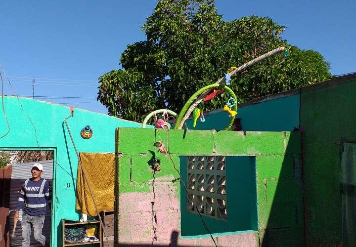 Fuertes brisas les llevó el techo a dos familias chiricanas