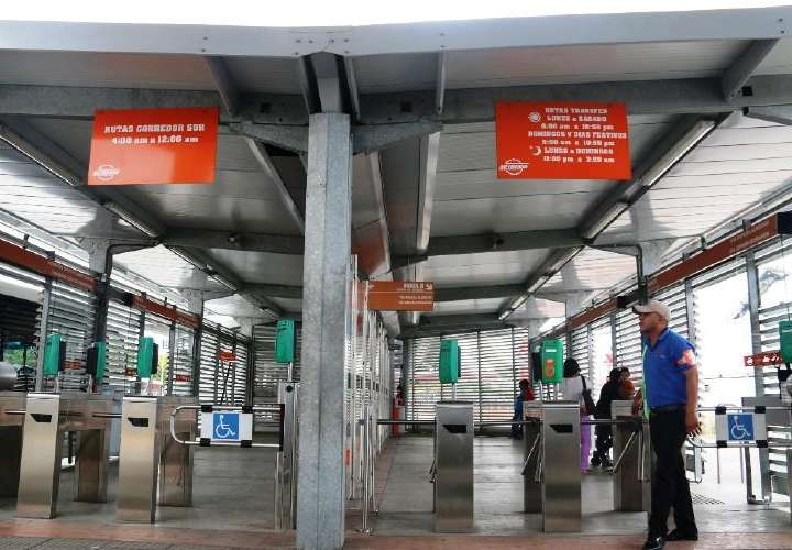 Empresa Mi Bus instalará dispensadores de gel en zonas pagas