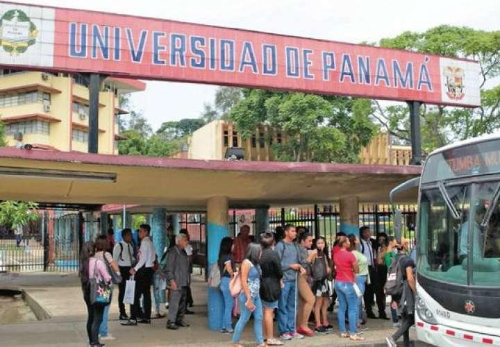 Más de 74 mil estudiantes arrancan clases virtuales en la UP