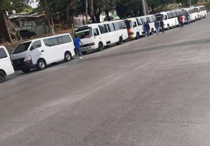 Transportistas de las rutas internas de San Miguelito y Panamá Norte en paro