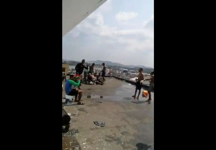 Rumba en Patio Pinel en plena cuarentena total (Video)