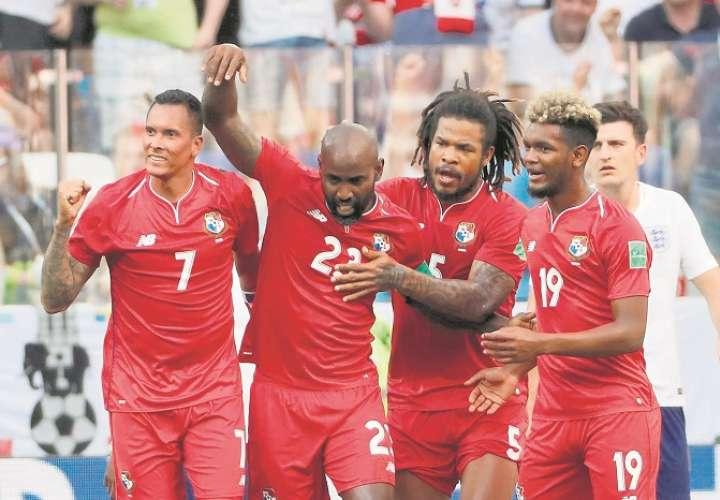 Felipe Baloy (23) anotó el primer gol de Panamá en un Mundial./ AP