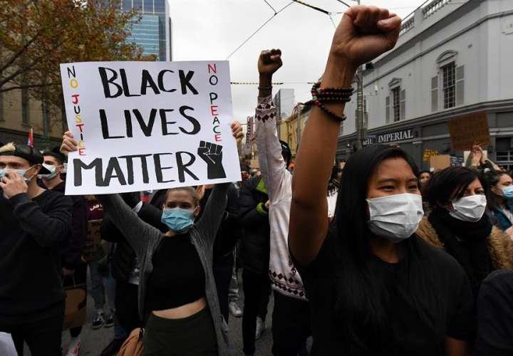 Australianos protestan en la calle contra el racismo y las muertes de aborígenes
