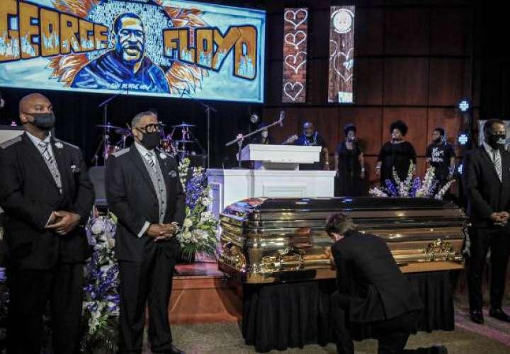 Segundo funeral de George Floyd reúne a miles de personas