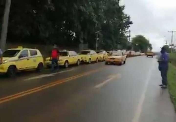 Taxistas de Darién piden que se mantenga sistema de pares y nones para circular