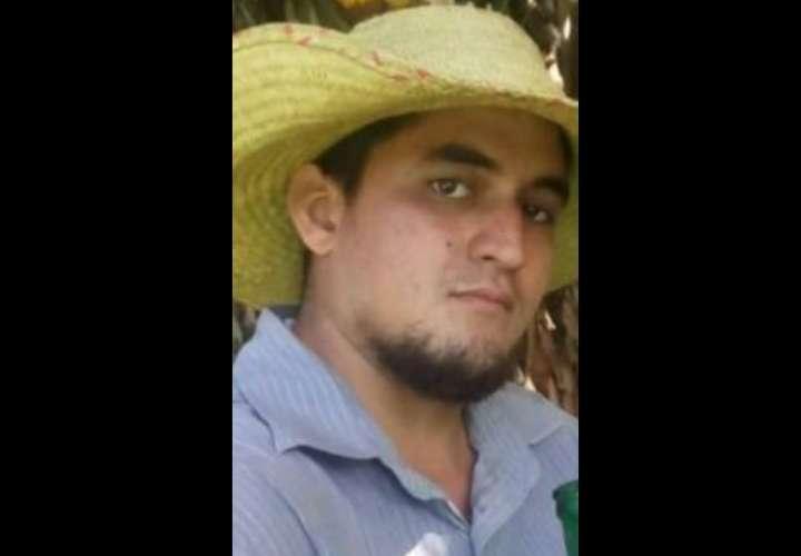 Pescador se enreda con la red, ola lo tumba y muere ahogado en playa Las Lajas