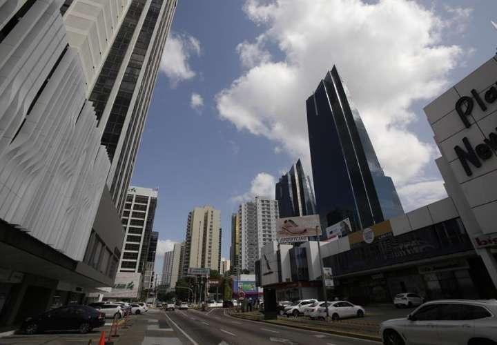 Se reactivan 1,530 nuevos contratos en el sector comercial y de restaurantes