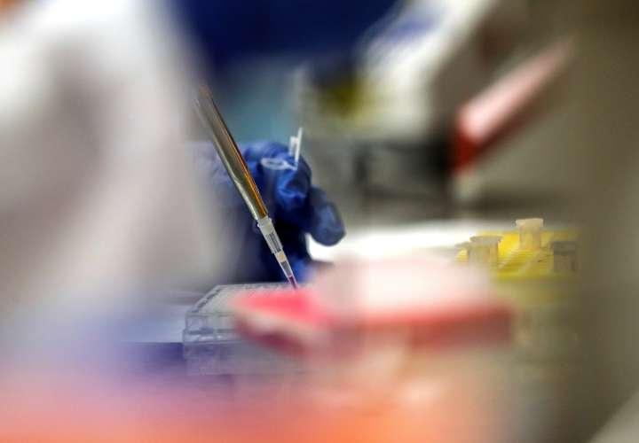 Pfizer consigue vía rápida para 2 vacunas