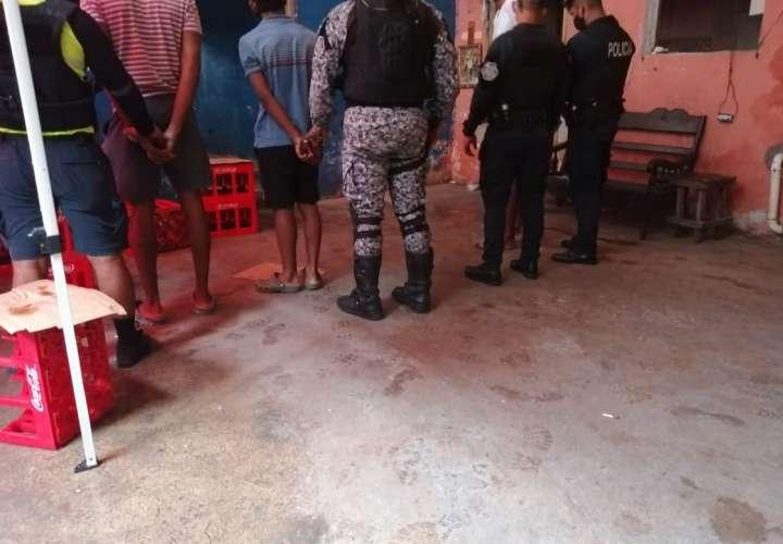Desmantelan cantina clandestina en Colón (Video)
