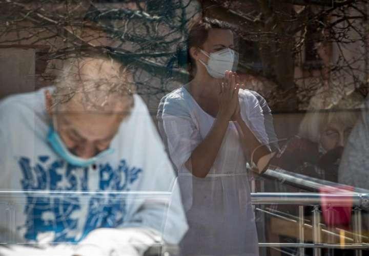 Mundo contabiliza  891.031 muertos por COVID-19 y más de 27,2 millones de casos