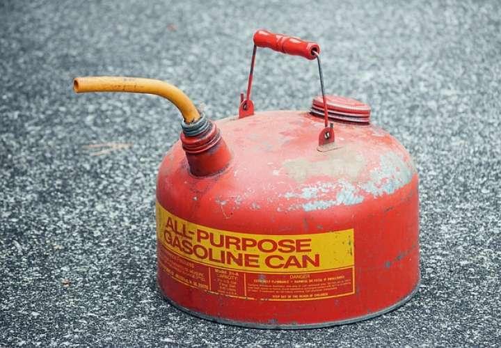 Rocían de gasolina a dos panameños en Costa Rica para quemarlos vivos
