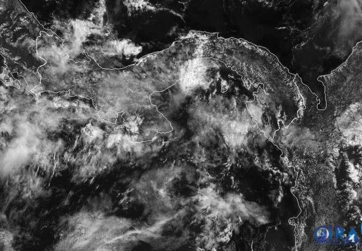 Miércoles lluvioso por paso de Onda Tropical #36