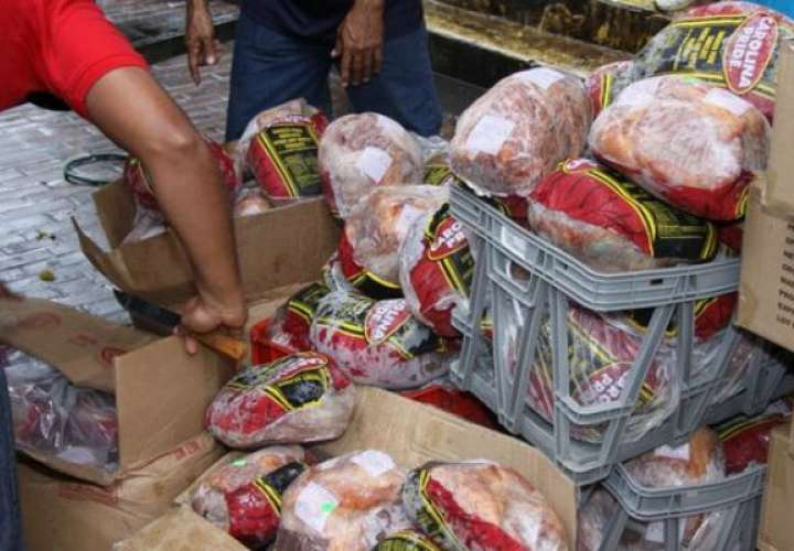 Investigan supuestas irregularidades en distribución de jamones