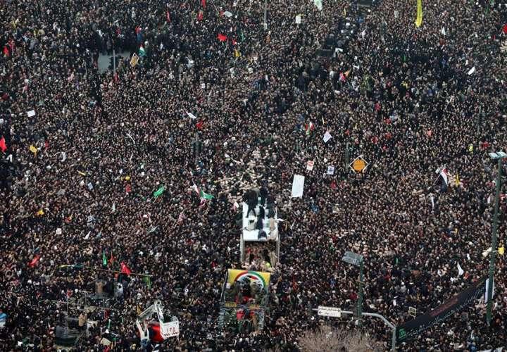 La Guardia Revolucionaria iraní promete venganza por la muerte de Soleimaní