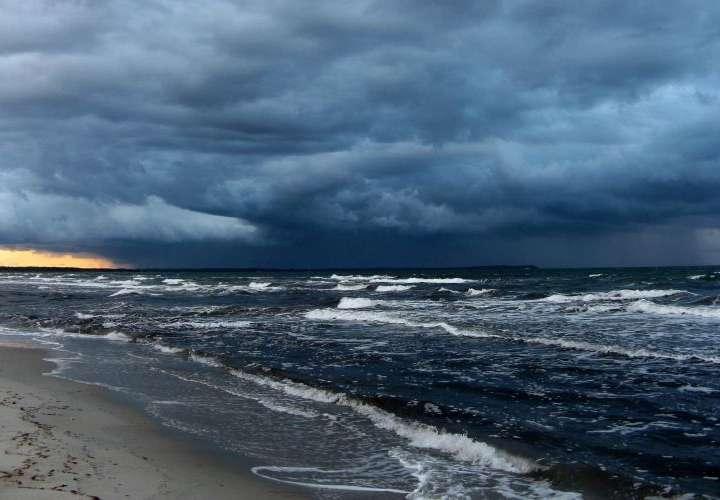 Advierten mar picado y mantienen suspensión de zarpes en el Pacífico