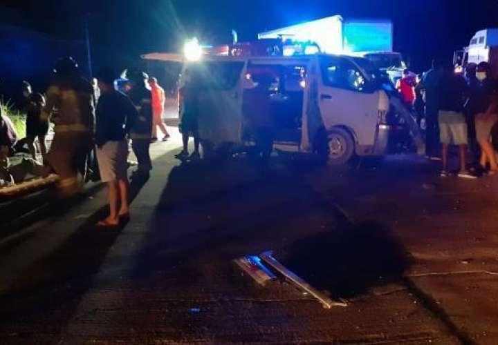 Trancazo entre bus y mula deja 13 heridos en Antón
