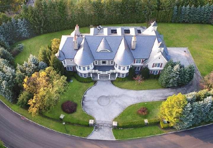 Mariano Rivera pone en venta casa de Nueva York