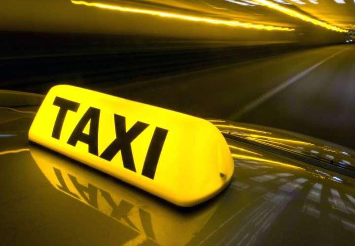 Suspenden medida de circulación de placas pares y nones para taxistas