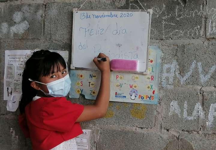 Tahina, la niña que sueña con ser periodista