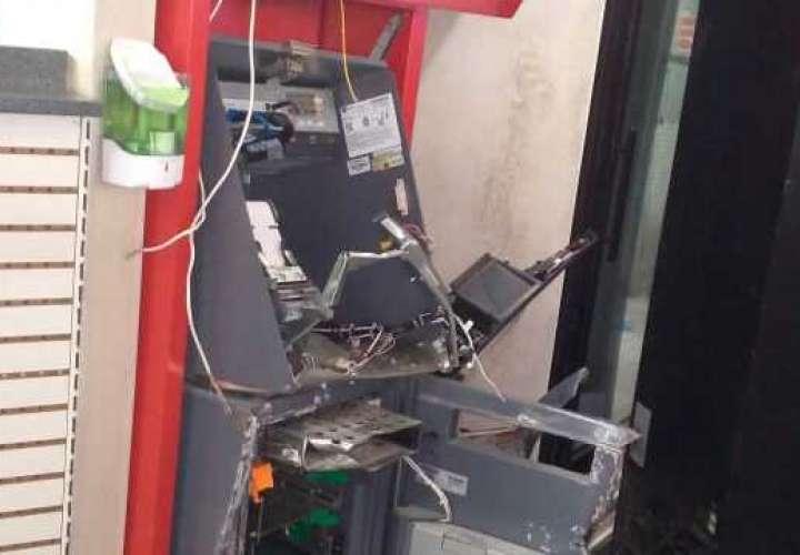 Se llevan más de 124 mil dólares de cajero automático en La Chorrera
