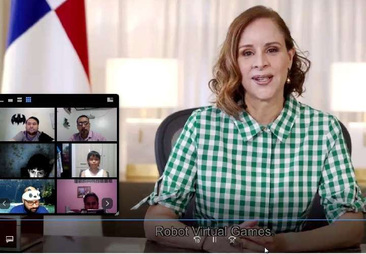 Panameños compiten en robótica