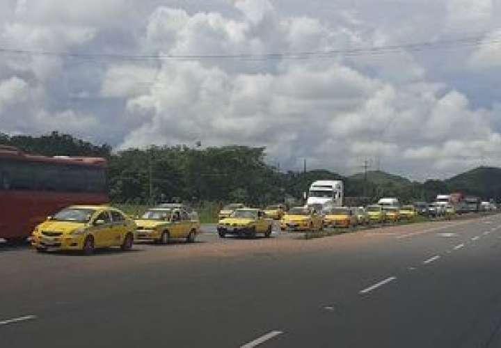 Circulación de pares y nones para los taxis se extiende hasta enero