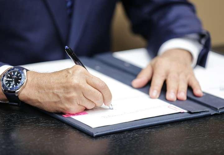 Sancionan ley que reduce impuestos a pequeña y mediana empresa