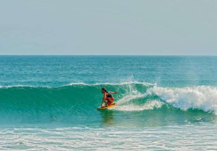 Piden permitir la práctica del surf