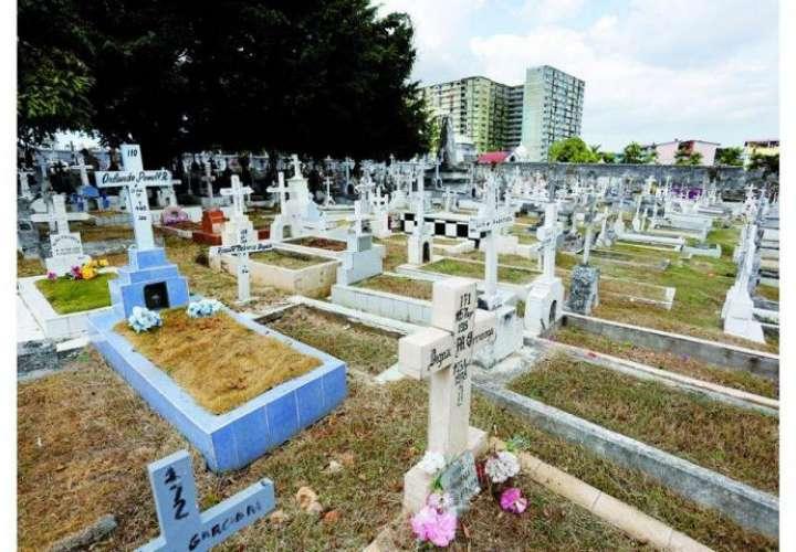 Recomiendan no asistir a cementerios a adultos mayores, embarazadas y niños