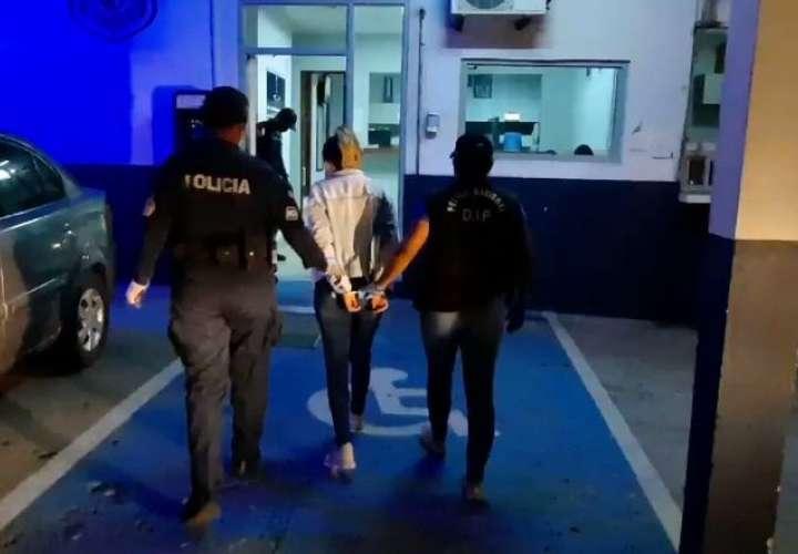 Desmantelan laboratorio de droga y captura a una colombiana en Betania [Video]