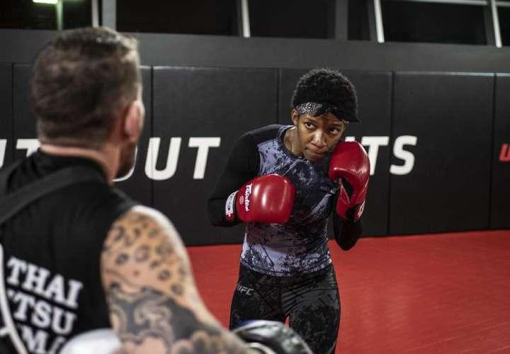 Joselyne Edwards, lista para su segundo combate en la UFC