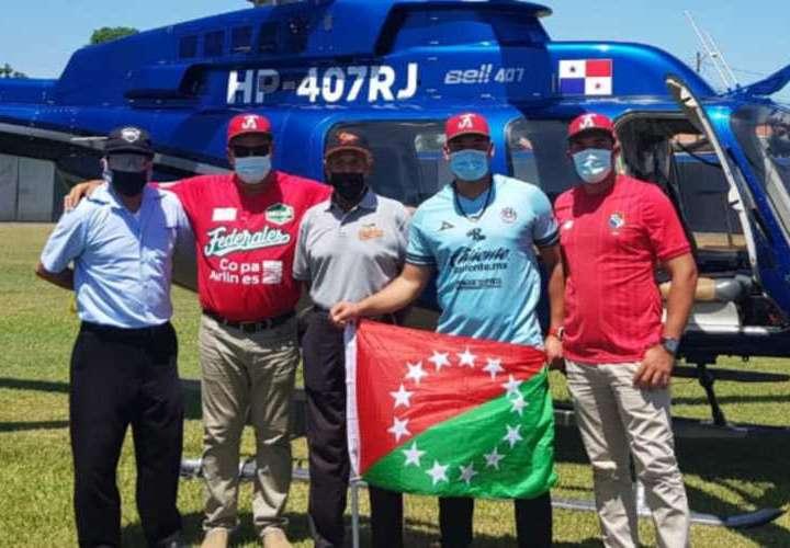 Peloteros reciben homenaje luego de participar en la Serie del Caribe