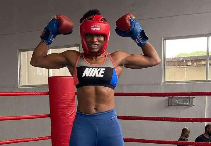Atheyna Bylon logró un triunfo importante pese a la inactividad y el peso