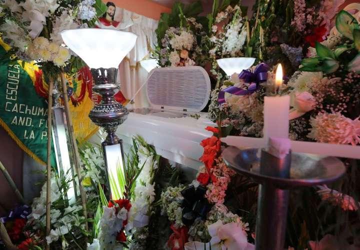 La ciudad de El Alto llora a sus estudiantes muertos