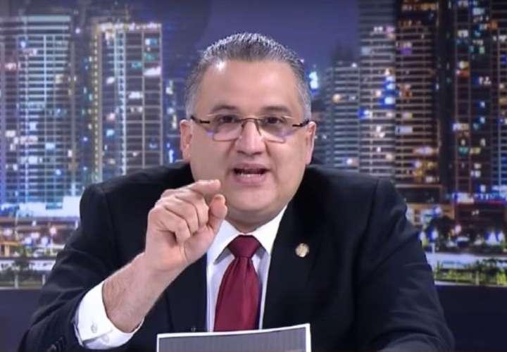 Denuncian de pedófilo a esposo de suplente de diputada del PRD