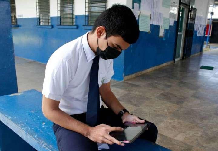Más de 70% de los estudiantes estarán conectados a plataformas tecnológicas