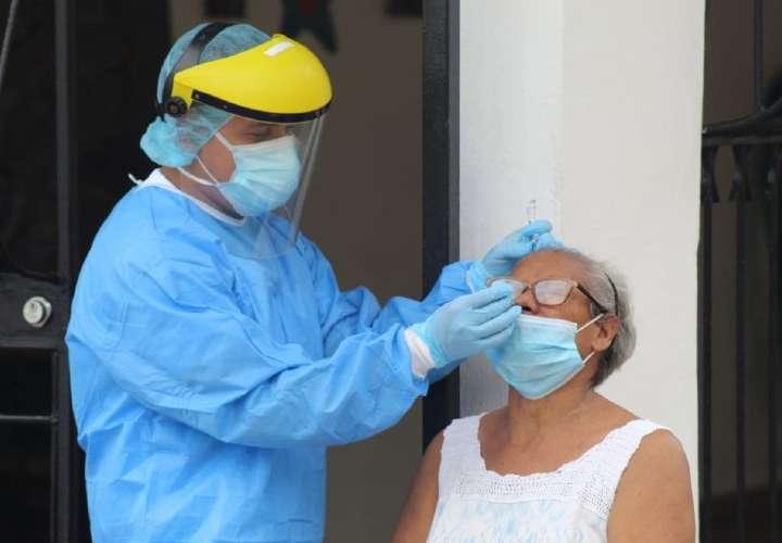 Covid-19: Menos muertos, menos contagios, menos casos activos