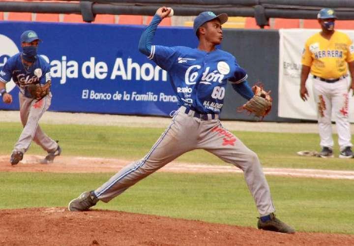 Colón sorprende a Herrera en Nacional de Béisbol Juvenil