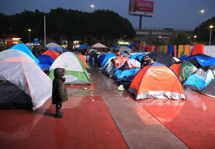 Denuncian condiciones 'precarias' de campamento migrante en Tijuana