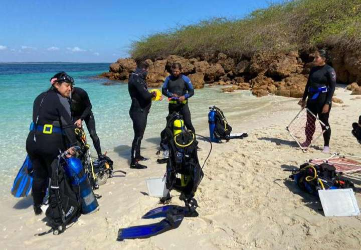 Evalúan arrecifes en Azuero