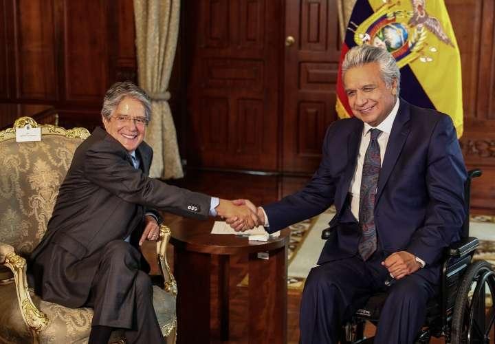 Vacunación anticovid marca la transición en Ecuador