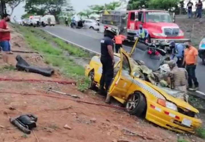 Taxista muere en el hospital tras brutal accidente
