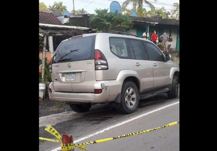 La víctima falleció dentro del automóvil que conducía.
