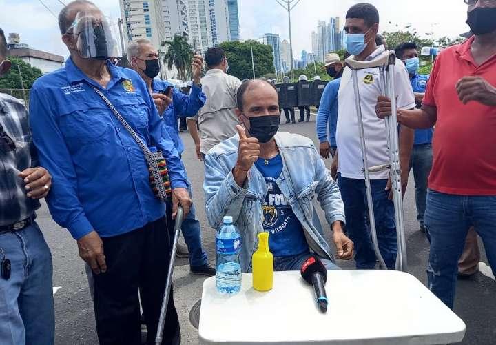 Taxistas continúan su lucha en las calles [Videos]