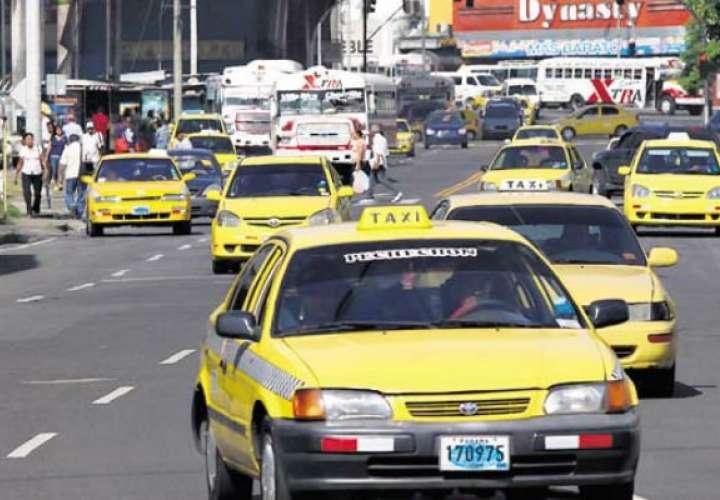 ATTT iniciará diálogo con un grupo de taxistas; otros insisten en seguir lucha